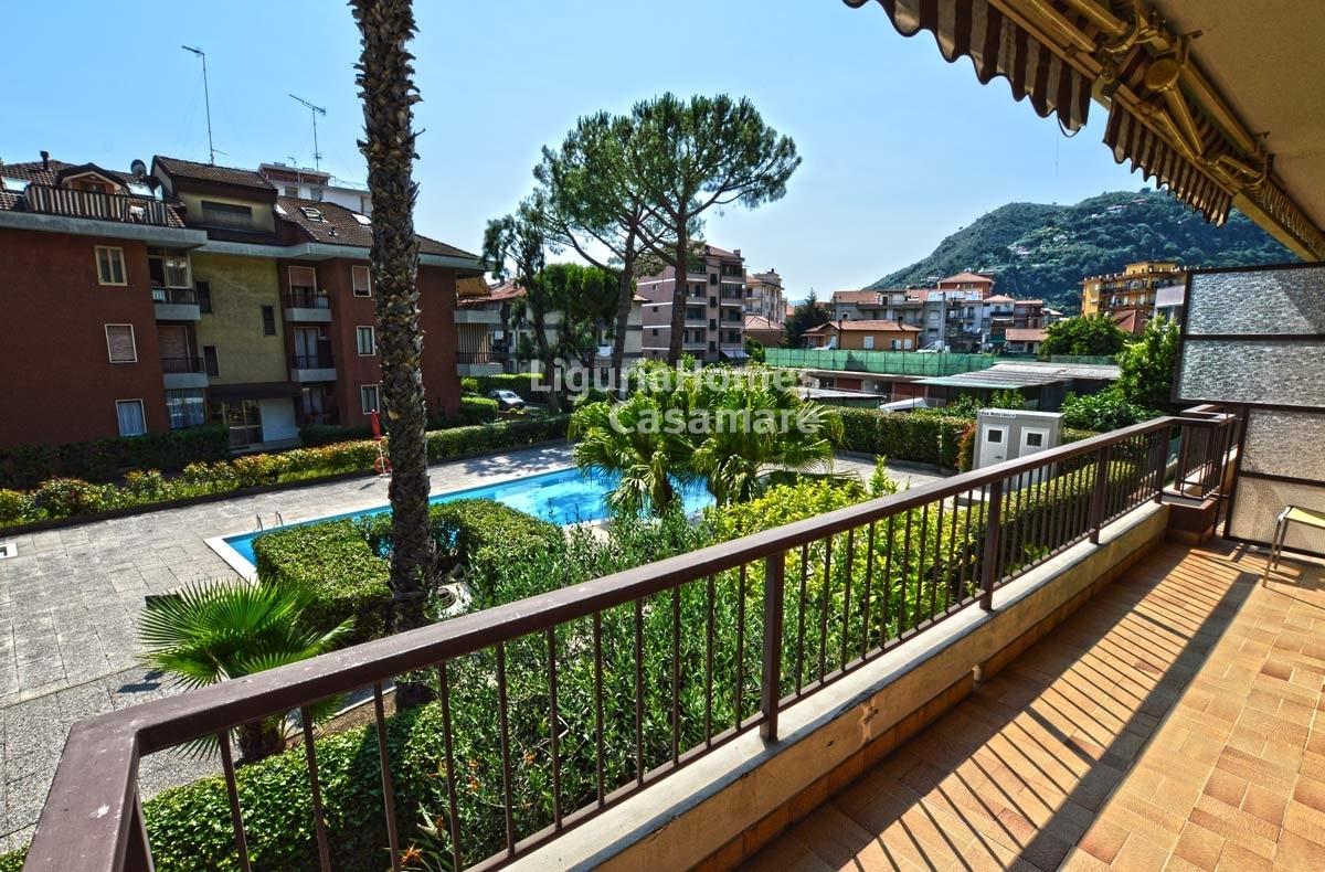 Appartamento in vendita a Vallecrosia, 5 locali, prezzo € 280.000 | CambioCasa.it