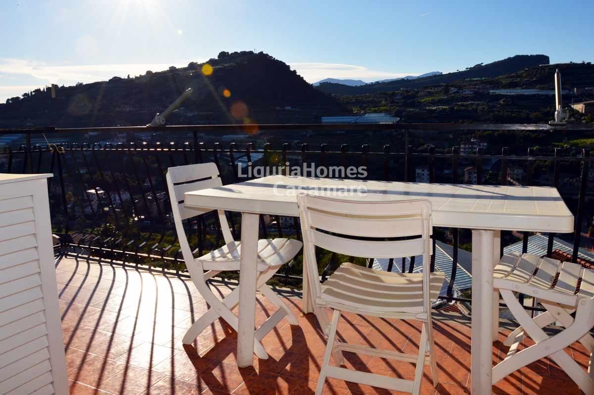 Appartamento in vendita a Bordighera, 3 locali, prezzo € 128.000   CambioCasa.it
