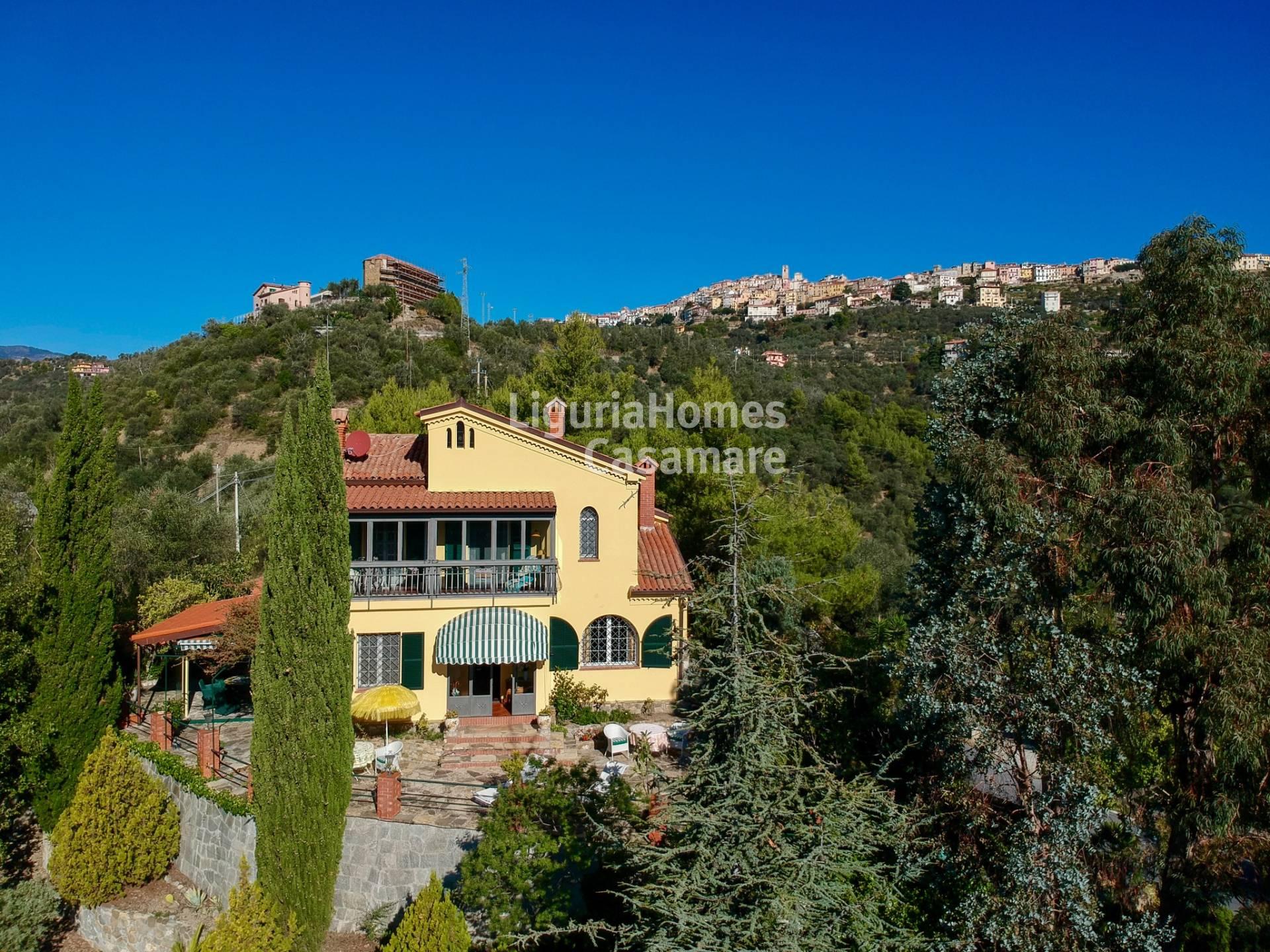 Villa in vendita a Perinaldo, 10 locali, prezzo € 495.000 | CambioCasa.it