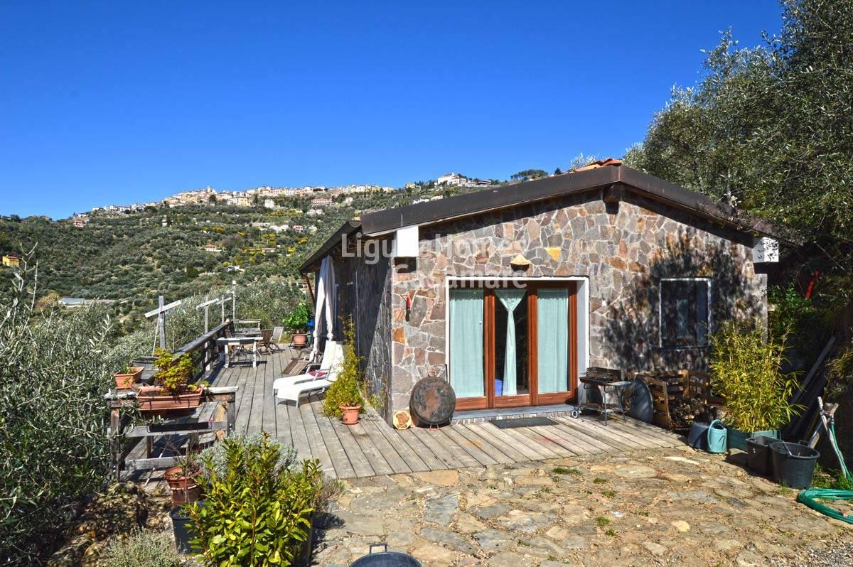 Villa in vendita a Perinaldo, 4 locali, prezzo € 180.000 | CambioCasa.it