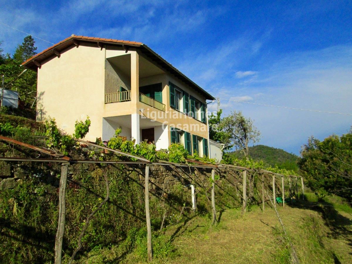 Villa in vendita a Perinaldo, 5 locali, prezzo € 220.000 | CambioCasa.it