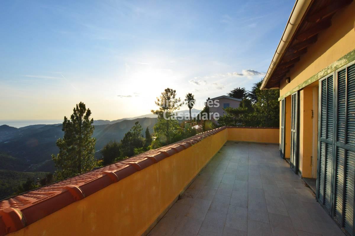 Appartamento in vendita a Perinaldo, 4 locali, prezzo € 160.000 | CambioCasa.it