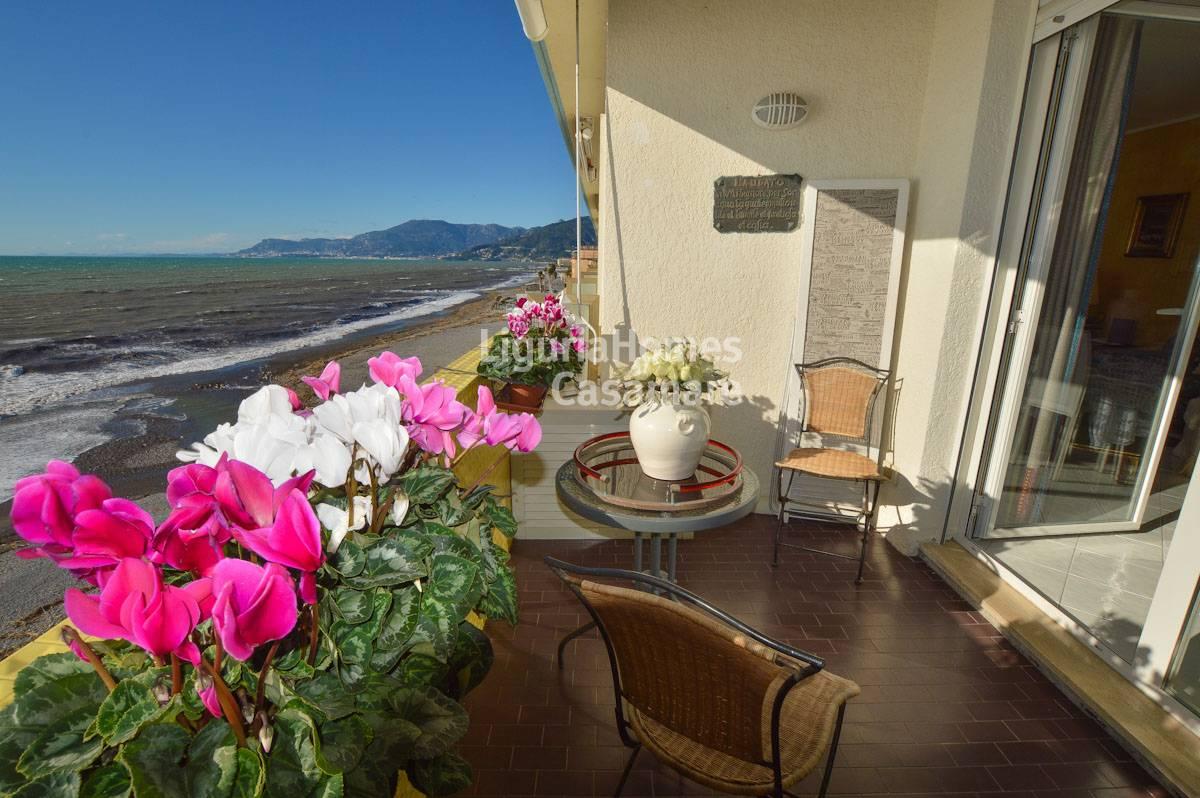 Appartamento in vendita a Vallecrosia, 5 locali, prezzo € 320.000 | CambioCasa.it
