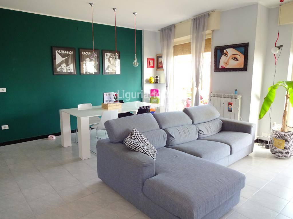 Appartamento in vendita a Bordighera, 3 locali, prezzo € 198.000   CambioCasa.it