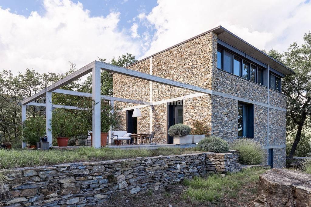 Villa in vendita a Prelà, 12 locali, prezzo € 1.800.000   CambioCasa.it