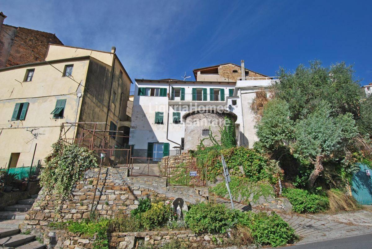 Appartamento in vendita a Civezza, 2 locali, prezzo € 83.000 | CambioCasa.it