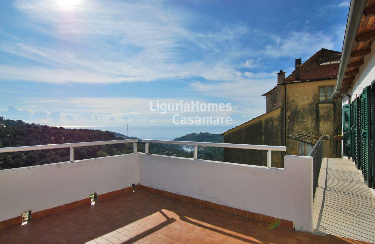 Appartamento in vendita a Civezza, 5 locali, prezzo € 175.000 | CambioCasa.it