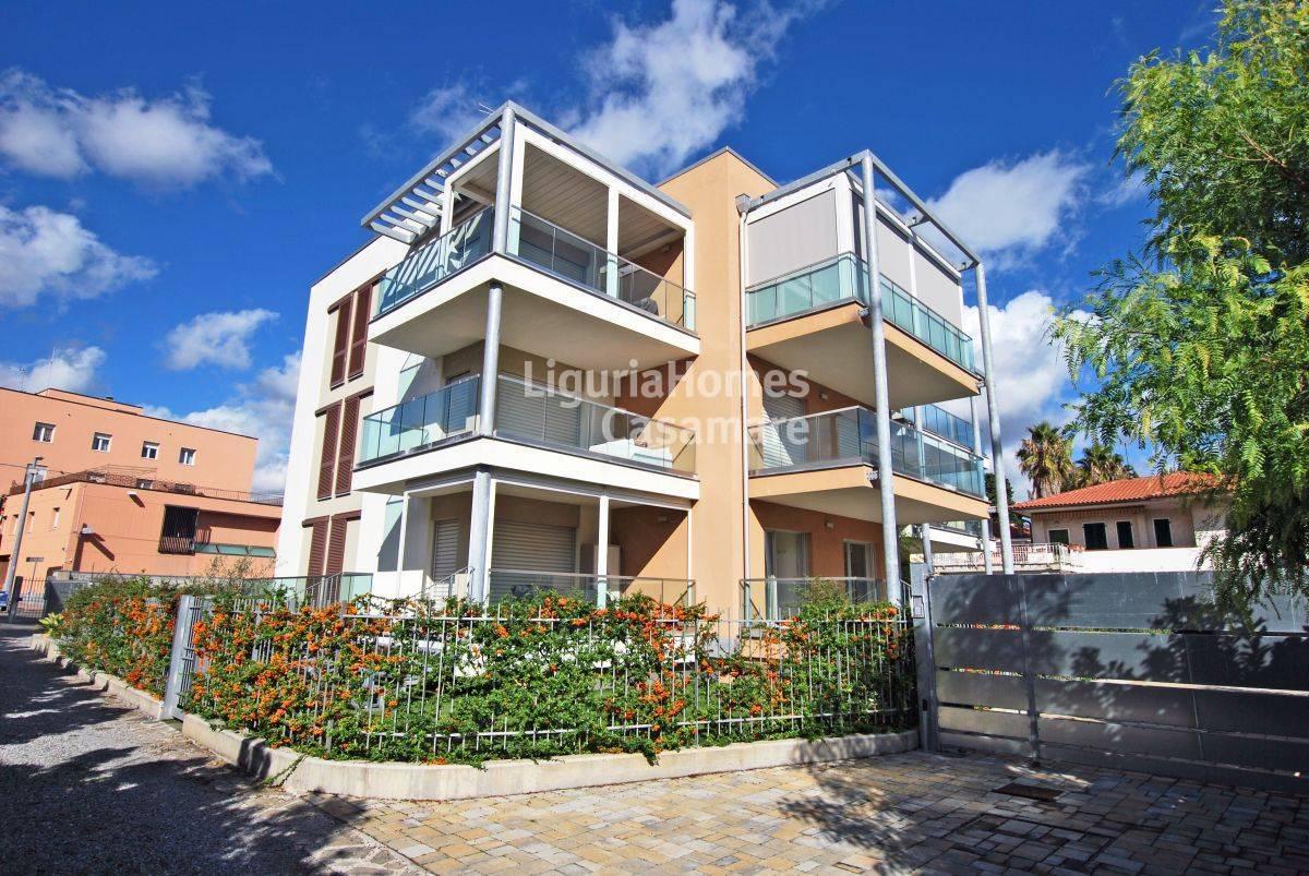 Appartamento in vendita a Diano Marina, 3 locali, prezzo € 370.000 | CambioCasa.it