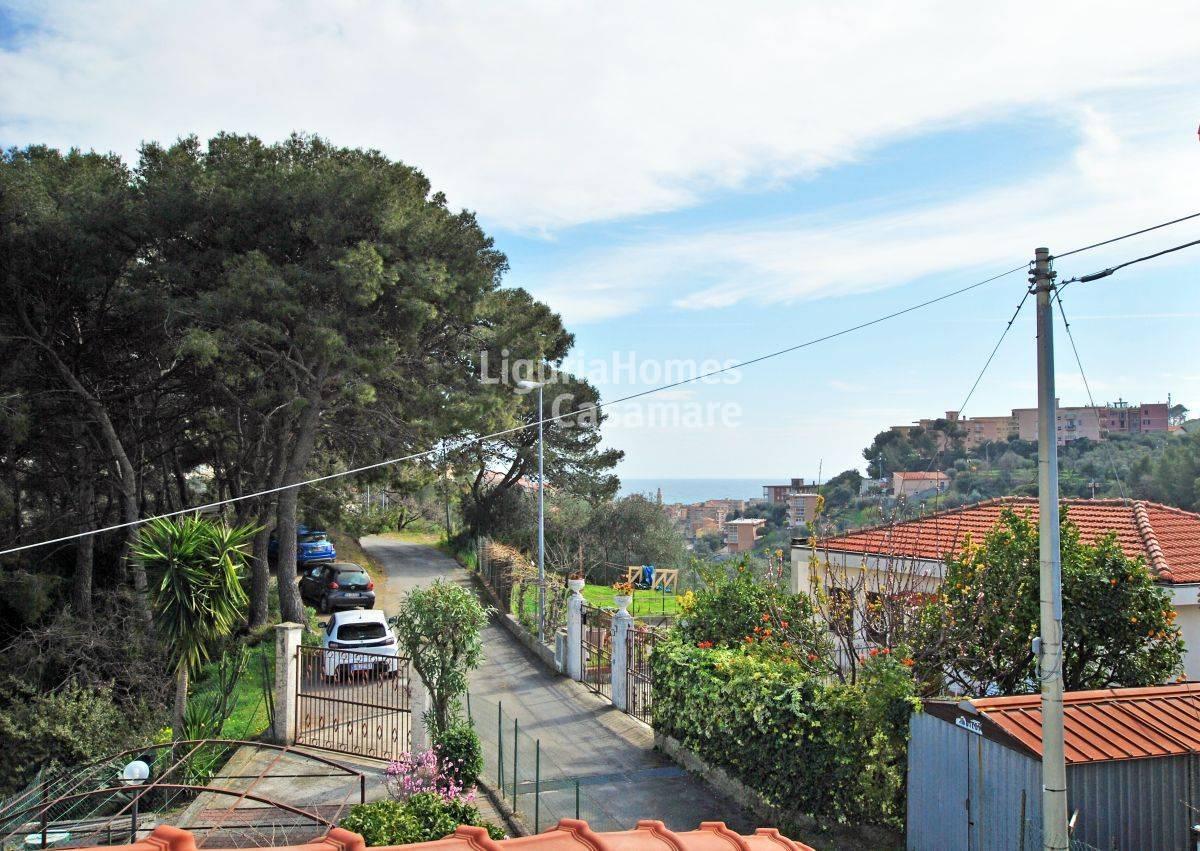 Villa in vendita a San Lorenzo al Mare, 8 locali, prezzo € 360.000 | CambioCasa.it