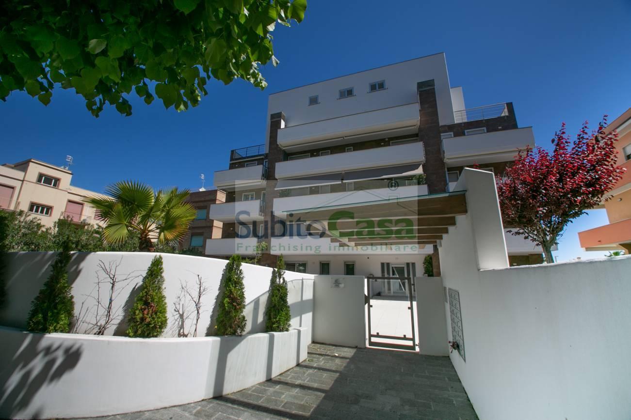 Appartamento in vendita a Francavilla al Mare, 6 locali, zona Località: ZonaSirena, prezzo € 450.000 | PortaleAgenzieImmobiliari.it