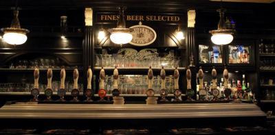 Bar/Pub con cucina in Vendita a Villafranca di Verona