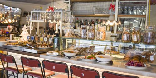 Bar con cucina in Vendita a Verona