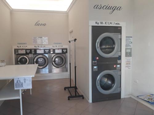 Lavanderia self service in Vendita a Mantova