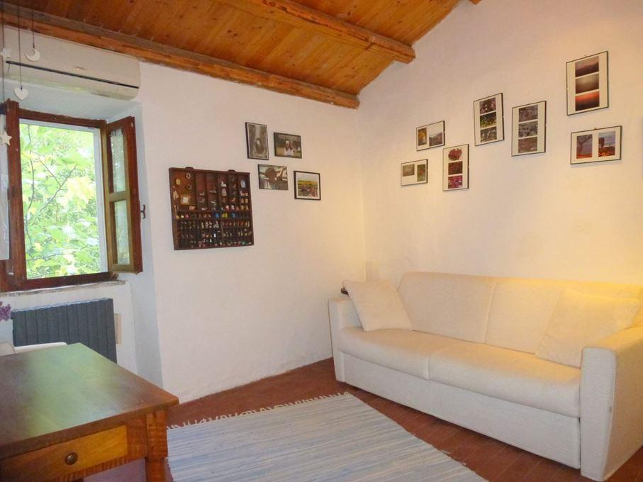Casa Semindipendente a Montegiorgio (Fermo)