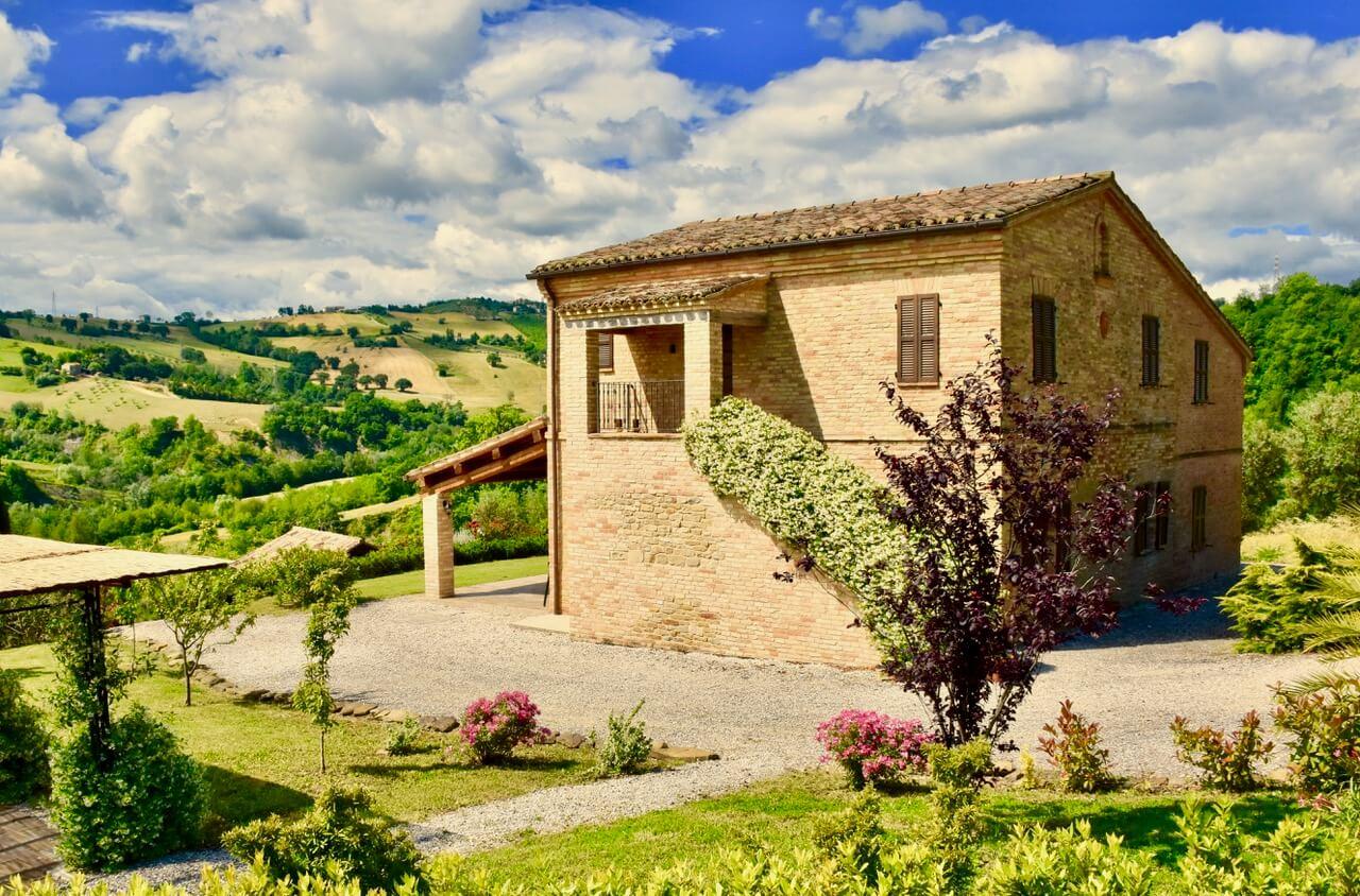 Casale a Loro Piceno (Macerata)