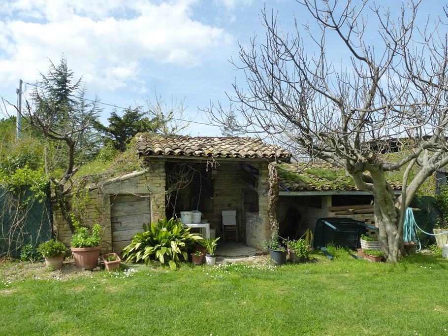 Casale a Monte San Giusto (Macerata)