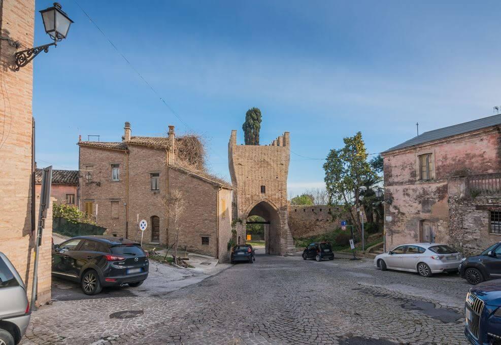 Palazzo a Civitanova Marche (Macerata)