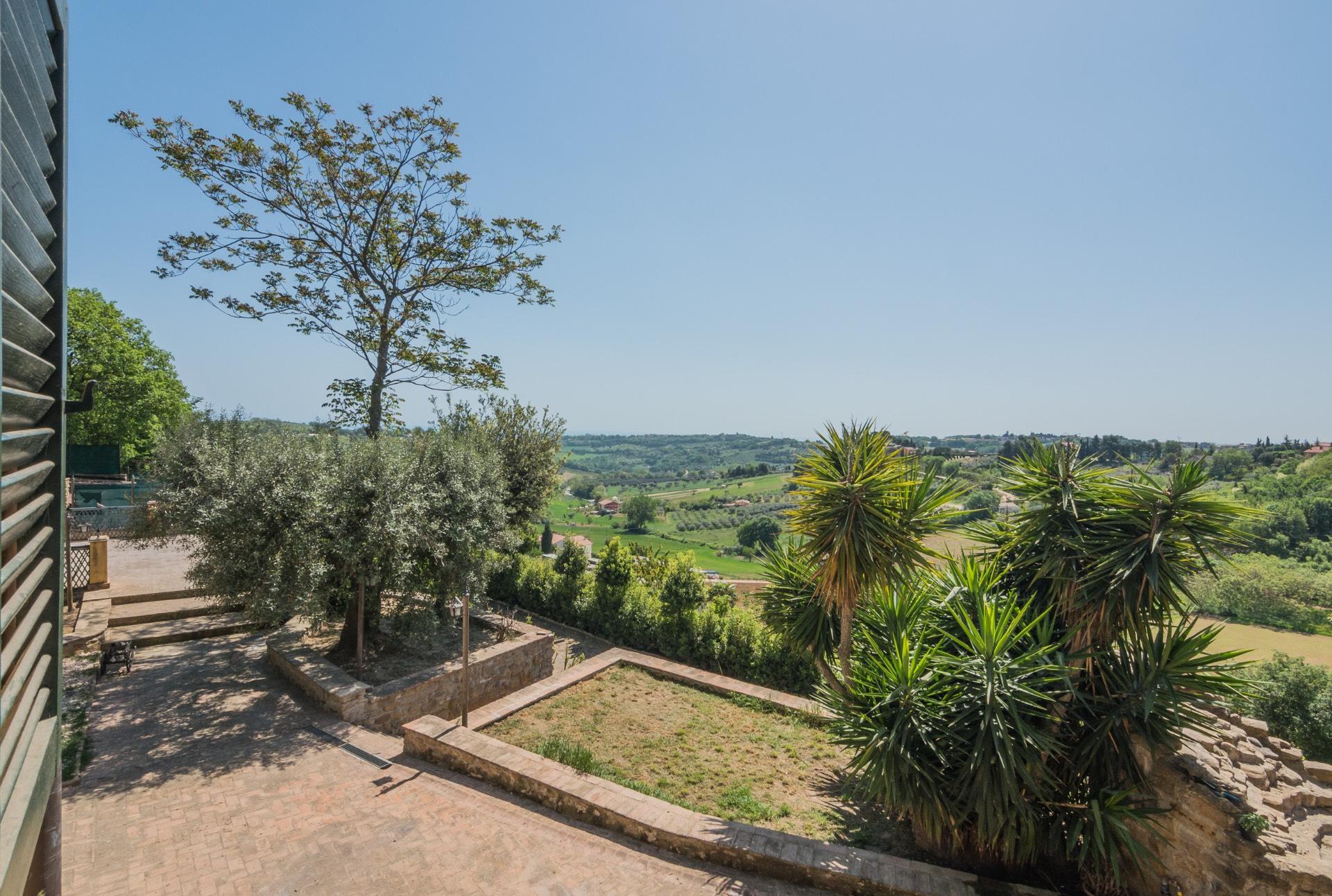Villa a Civitanova Marche (Macerata)