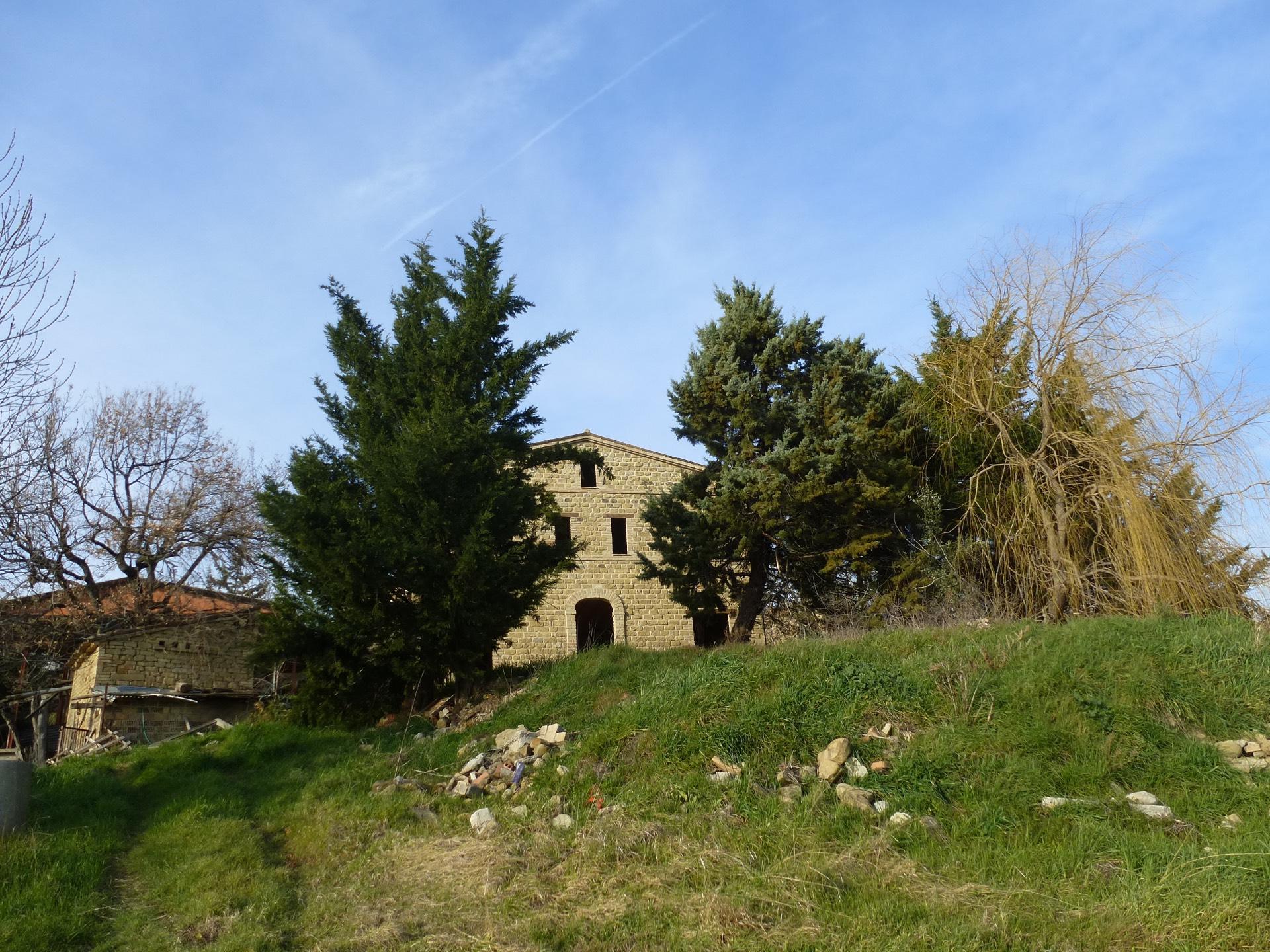 Casale a Monte San Martino (Macerata)