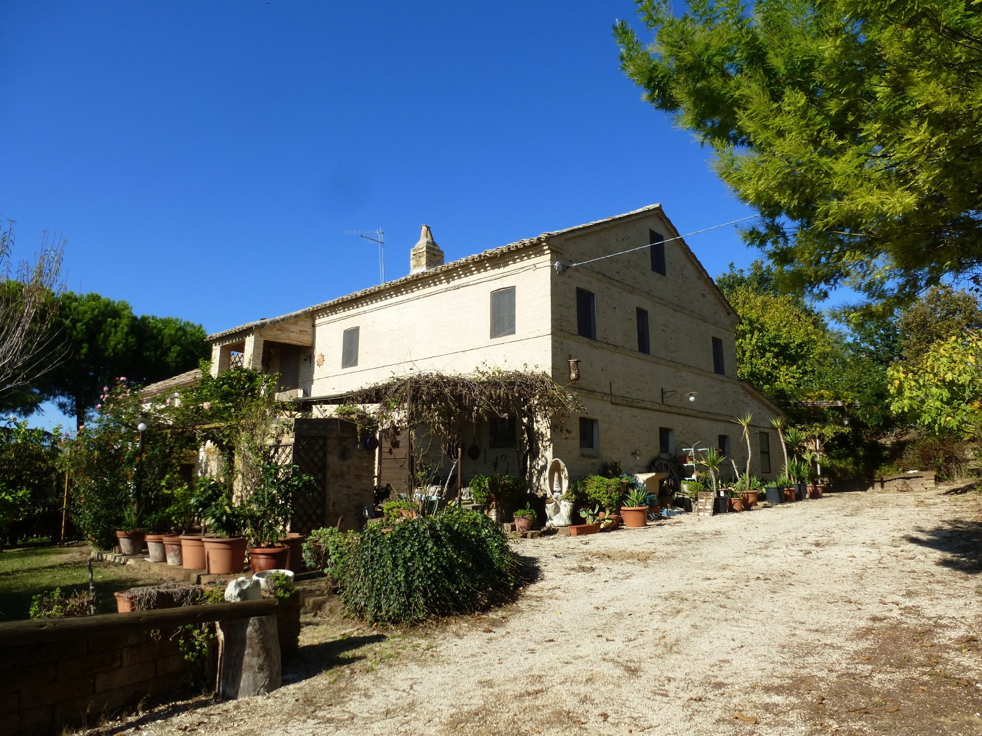 Casa Semindipendente a Montecosaro (Macerata)