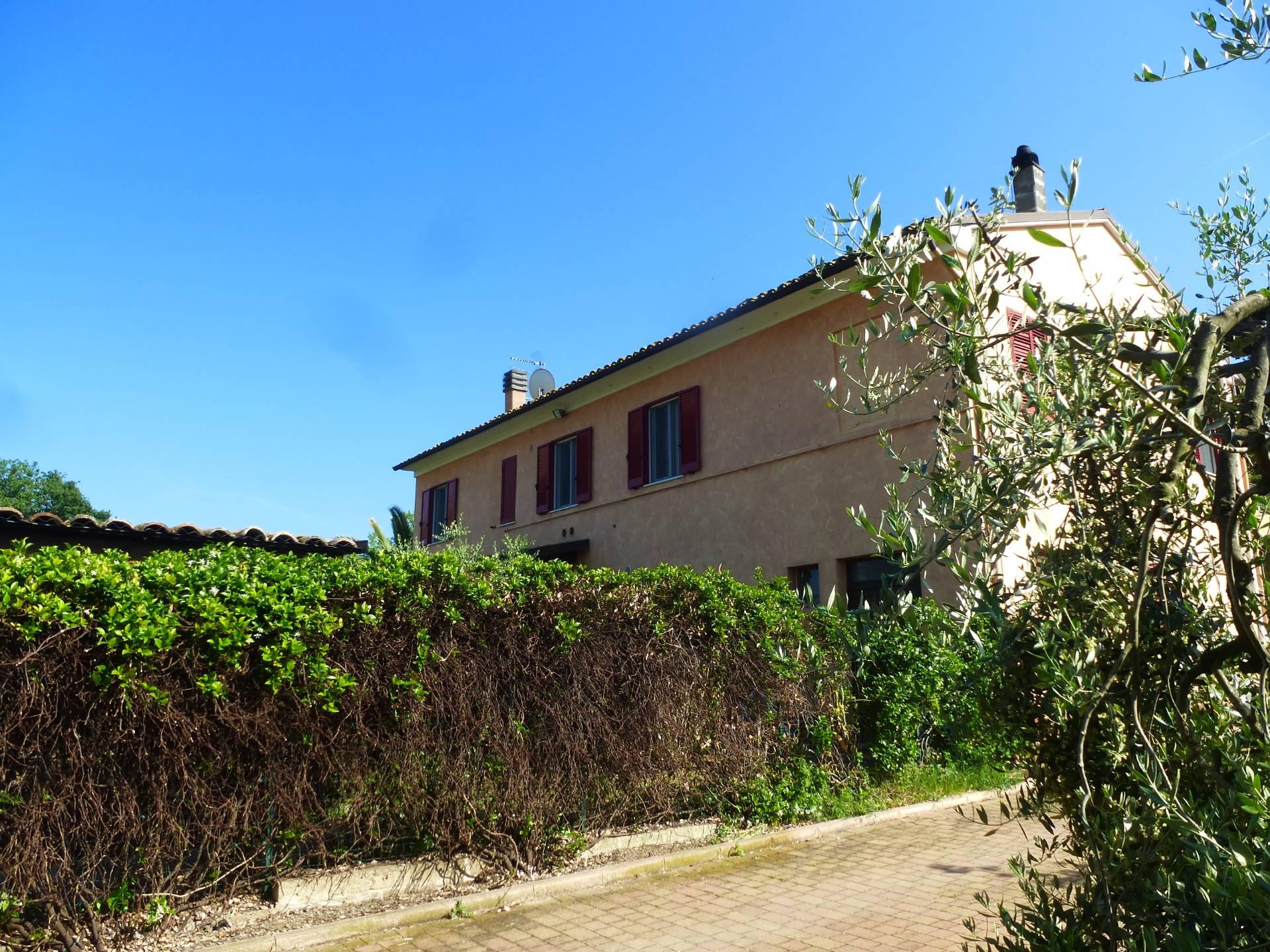 Casa Semindipendente a Morrovalle (Macerata)