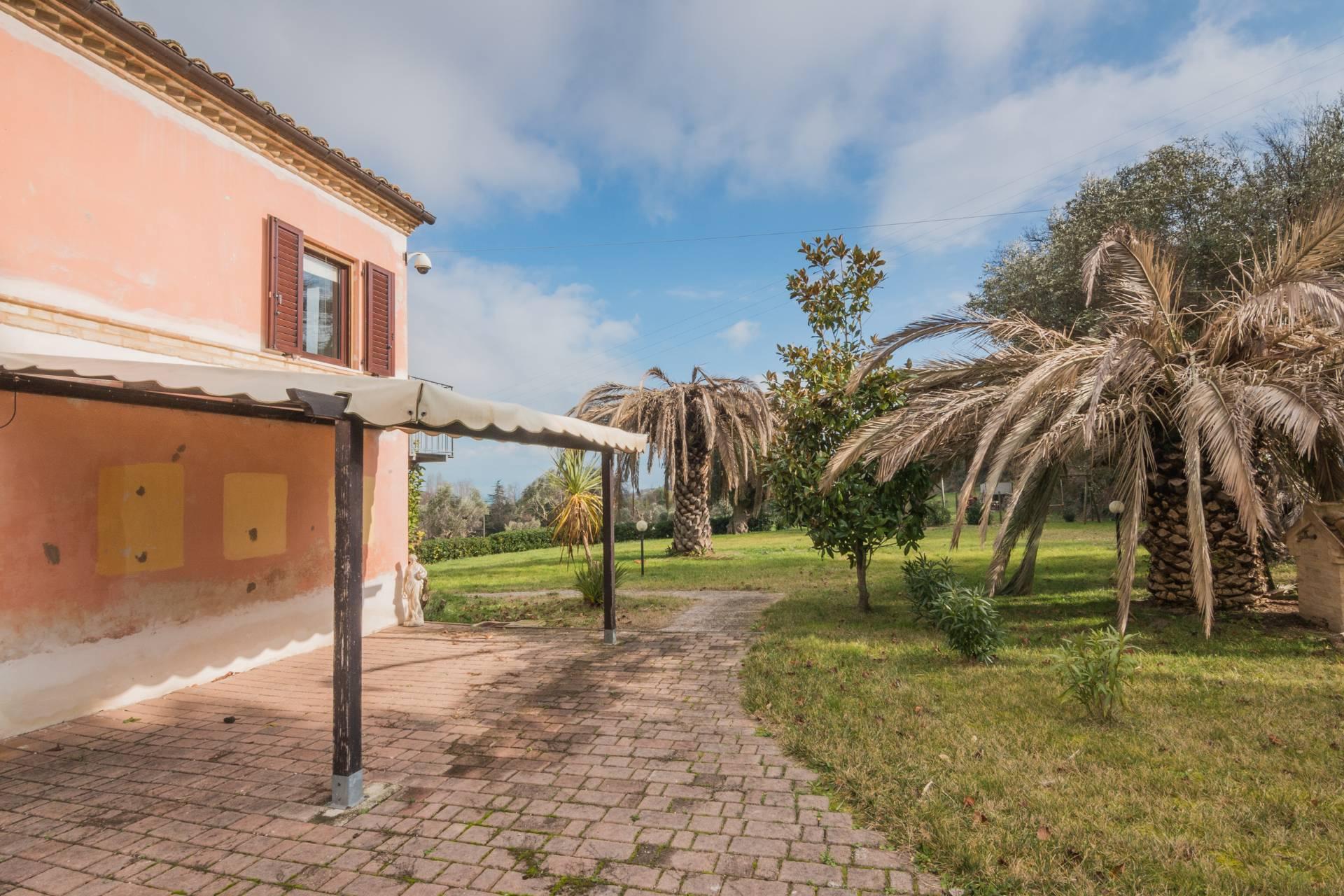 Casale a Civitanova Marche (Macerata)