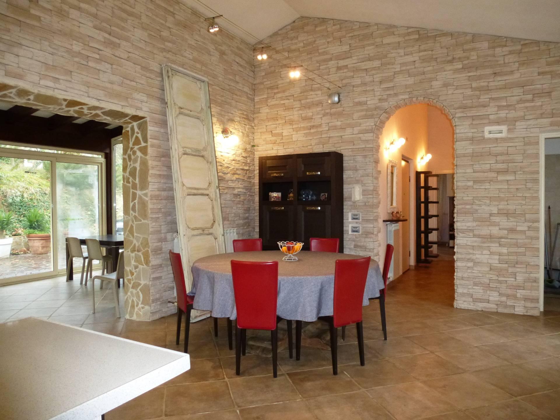 Casa a Montecosaro (Macerata)