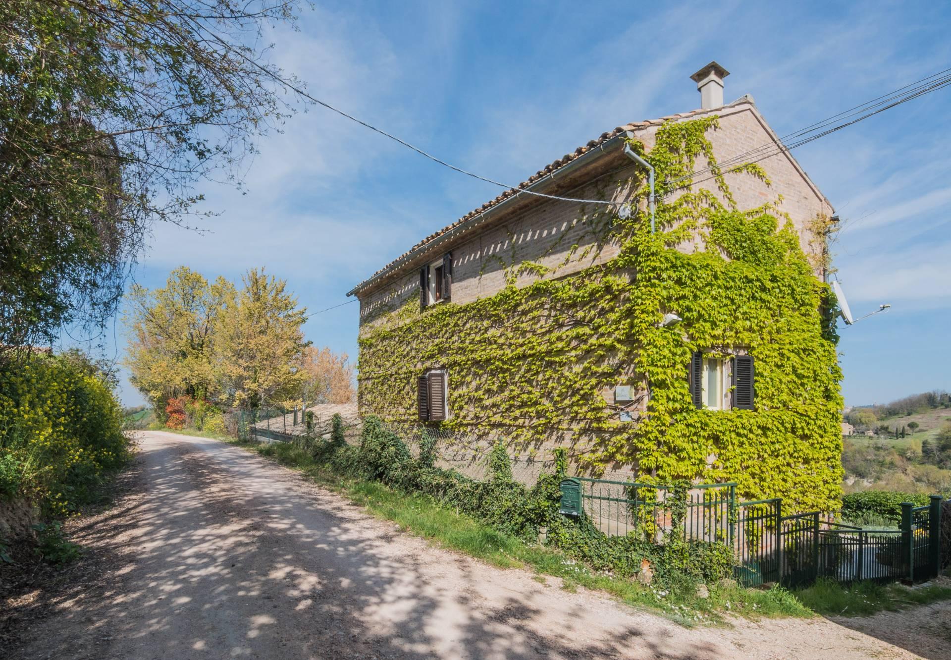 Casale a Monte Vidon Corrado (Fermo)