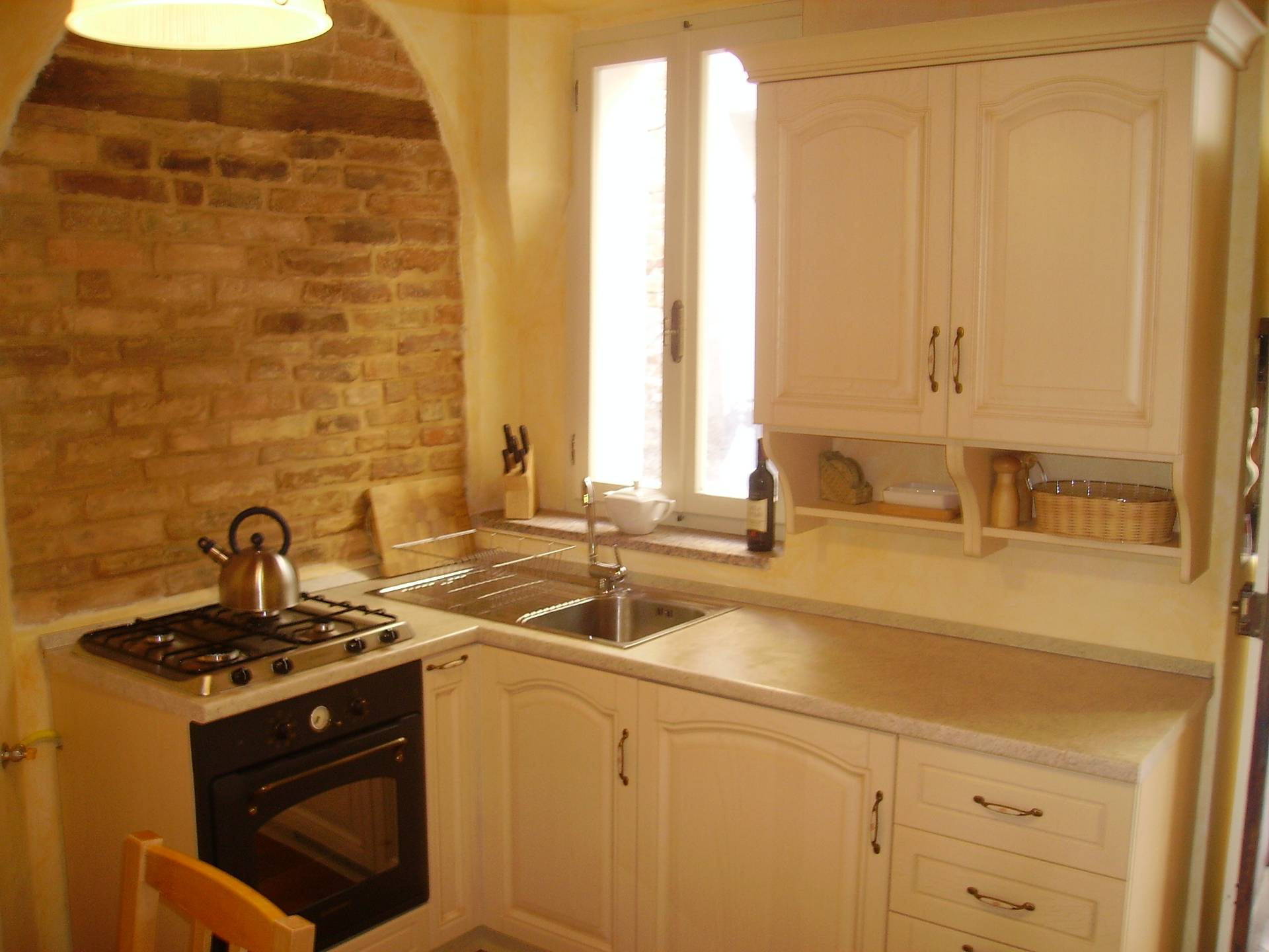 Casa a Montedinove (Ascoli Piceno)