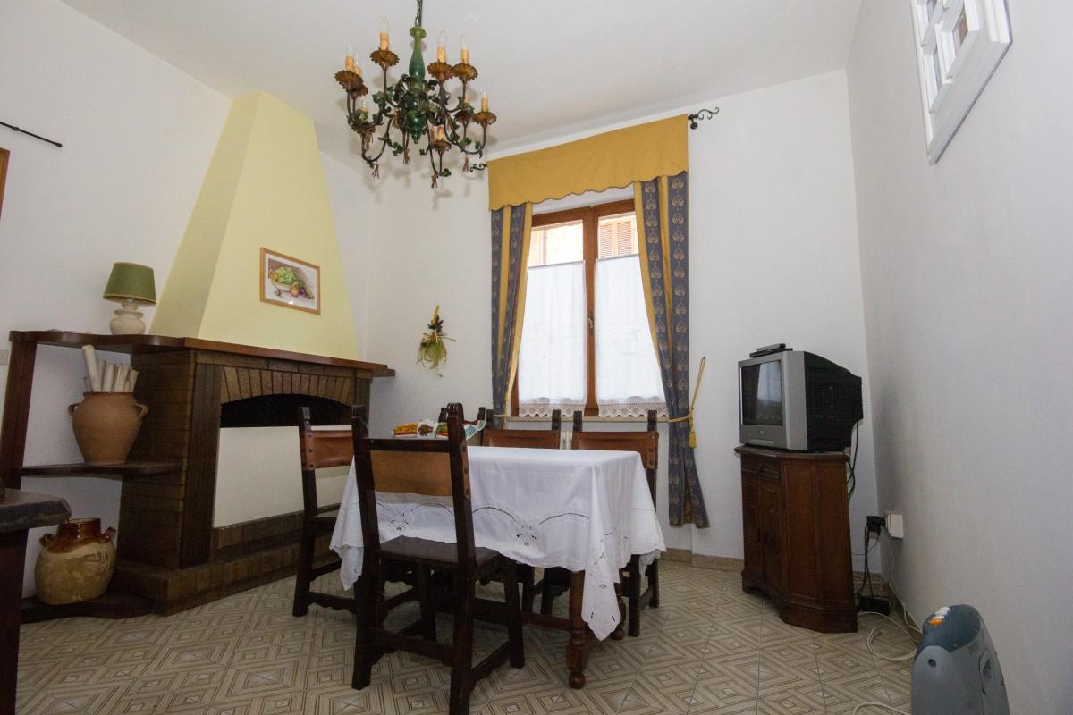 Casa a Montottone (Fermo)