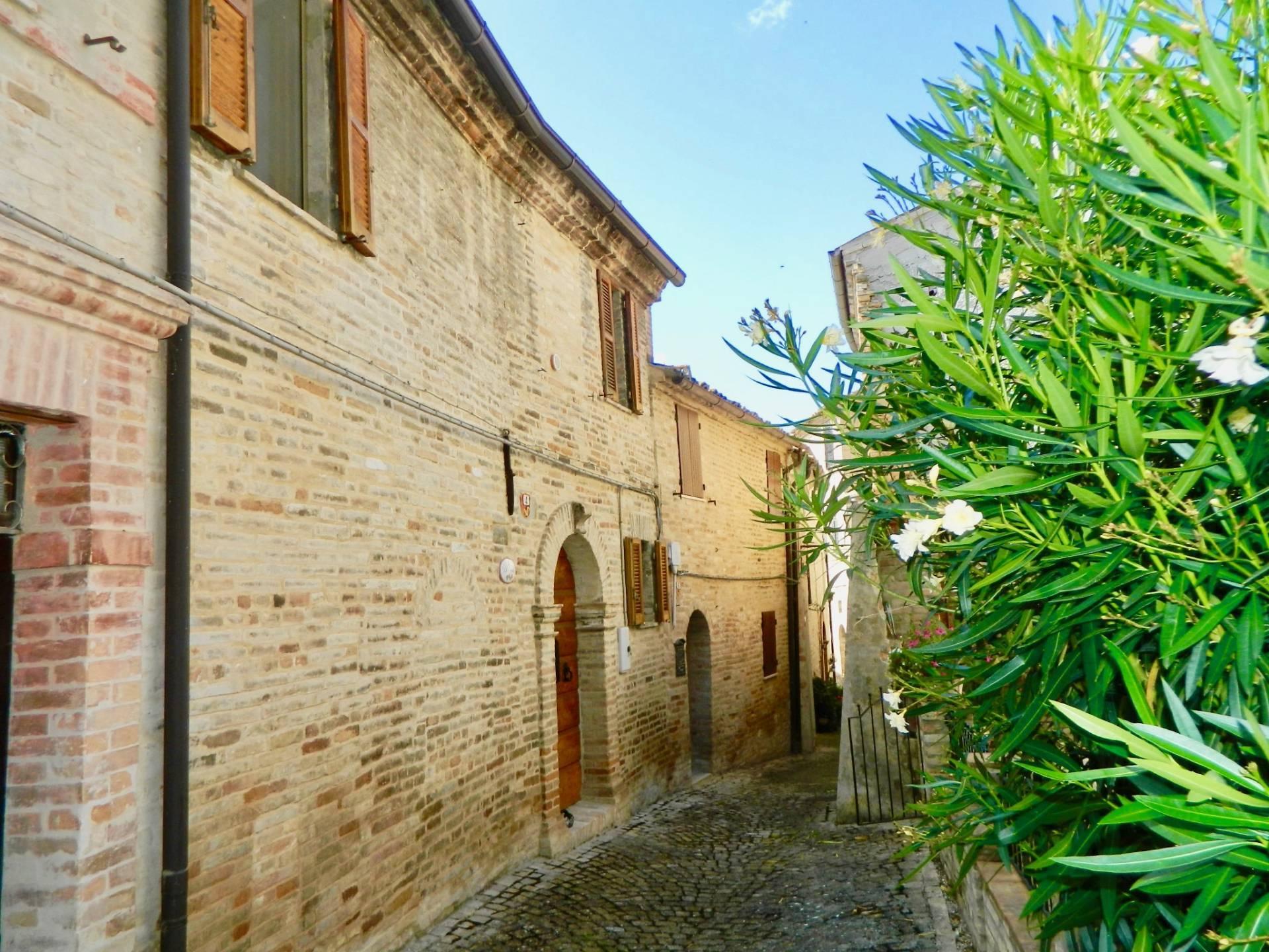 Casa Semindipendente a Montottone (Fermo)