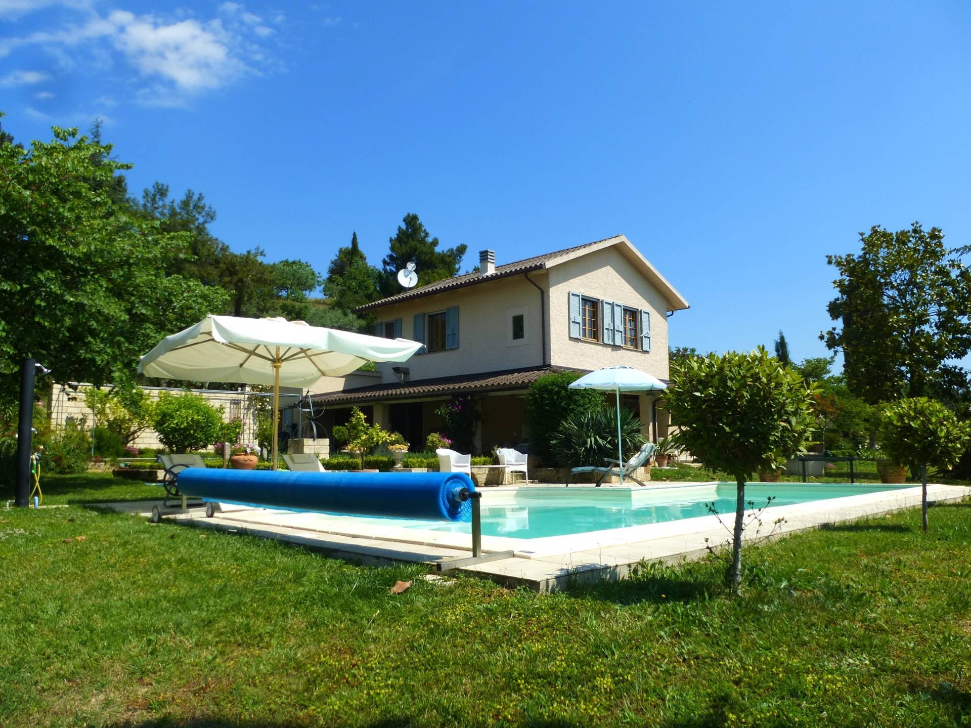 Villa a Moresco (Fermo)
