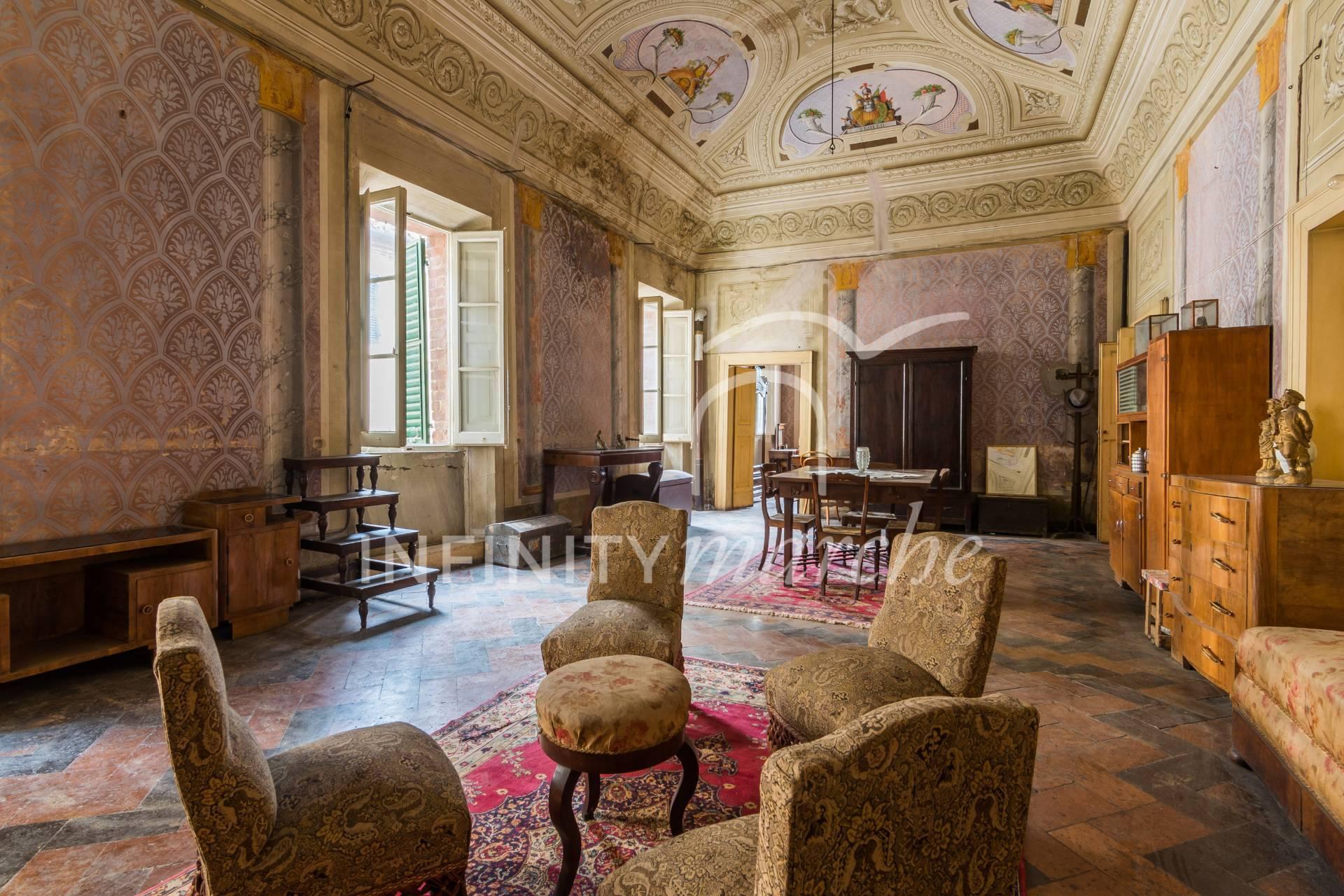 Palazzo a Montecarotto (Ancona)