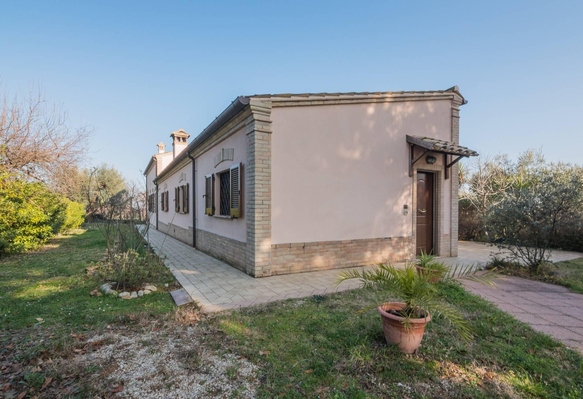 Casale a Campofilone (Fermo)