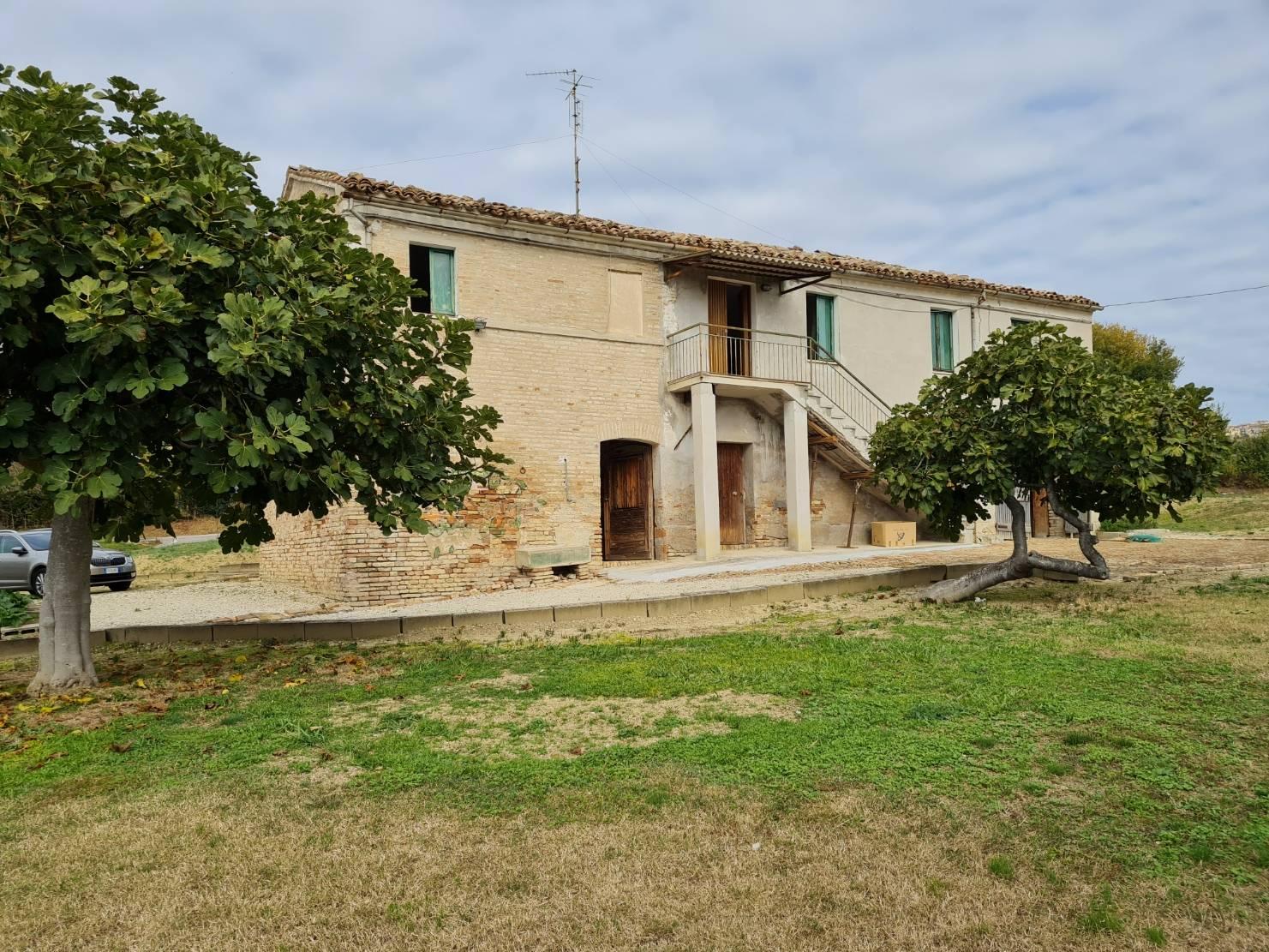 Casale a Recanati (Macerata)