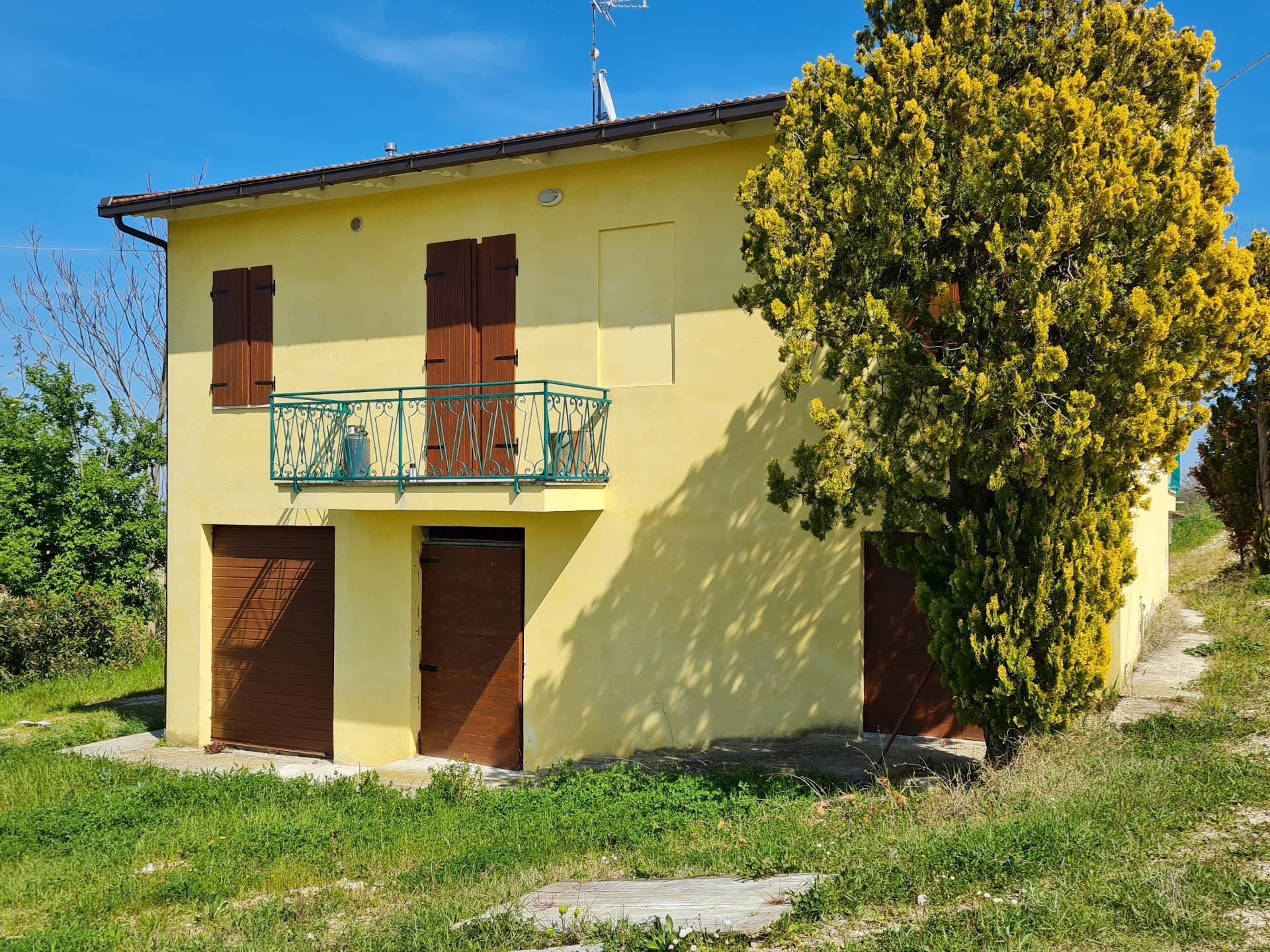 Casale a Montottone (Fermo)
