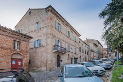Palazzo Civitanova Marche (Macerata)