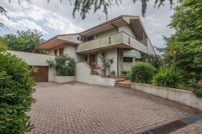 Villa Morrovalle (Macerata)