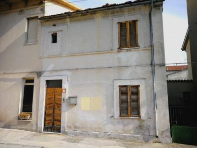 Casa Montecosaro (Macerata)