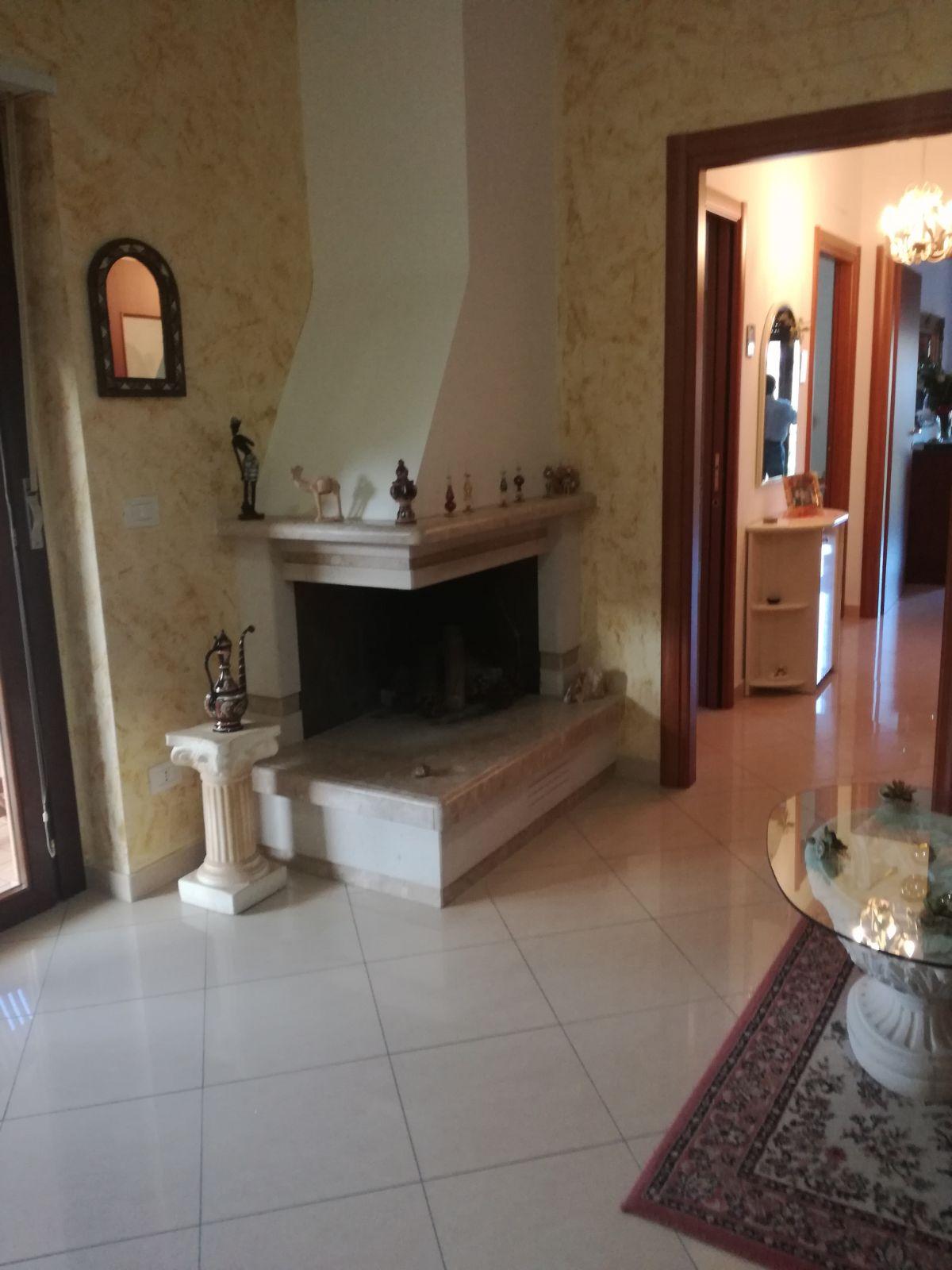 vendita appartamento pineto   155000 euro  4 locali  90 mq