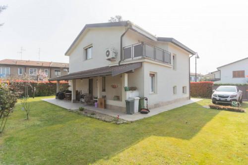 Villa in Vendita a Segrate