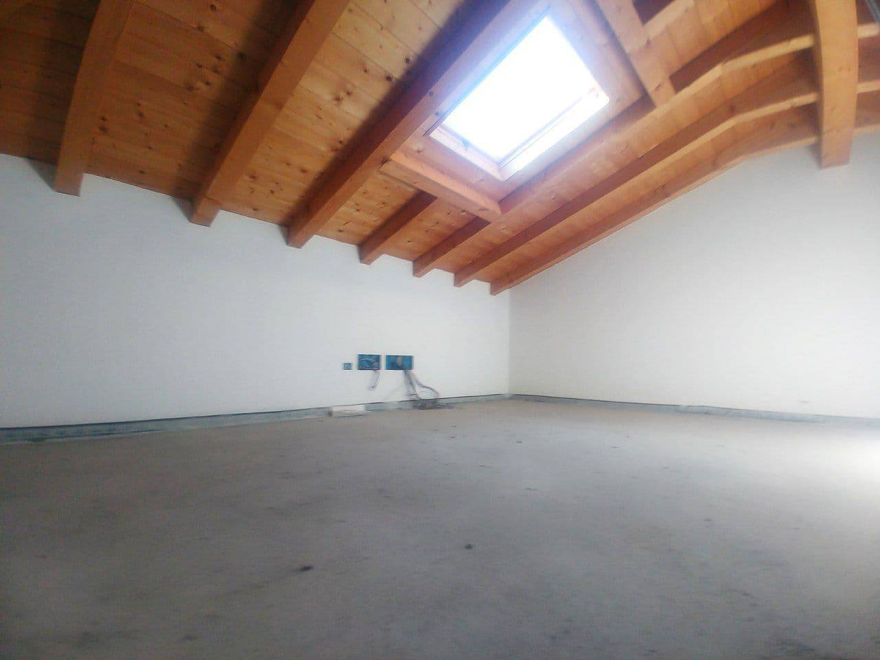Appartamento in vendita a Quinto di Treviso, 8 locali, prezzo € 350.000   PortaleAgenzieImmobiliari.it