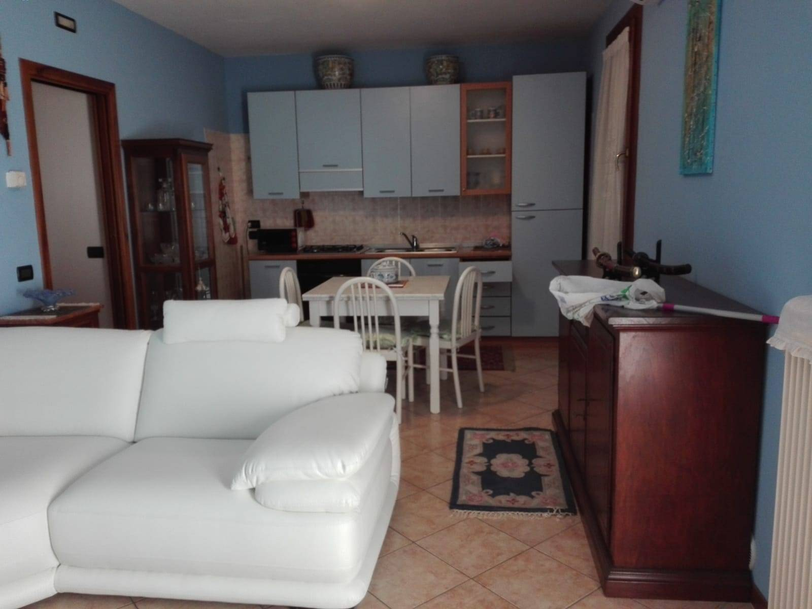 Appartamento in vendita a Quinto di Treviso, 4 locali, zona Località: S.aCristina, prezzo € 130.000   PortaleAgenzieImmobiliari.it
