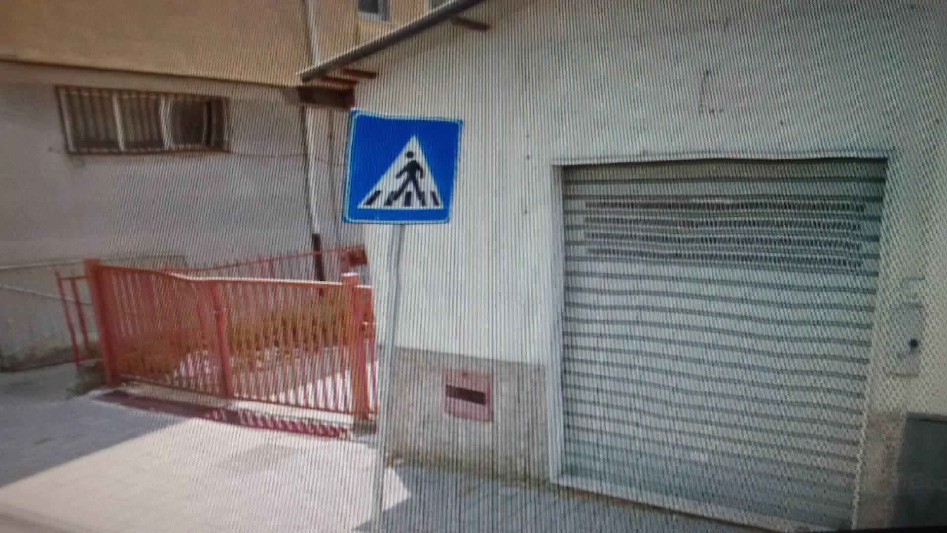 Negozio / Locale in affitto a Baronissi, 9999 locali, zona Zona: Acquamela, prezzo € 800   CambioCasa.it