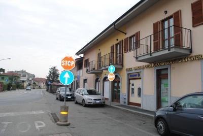 Locale commerciale in Affitto/Vendita a Cavour