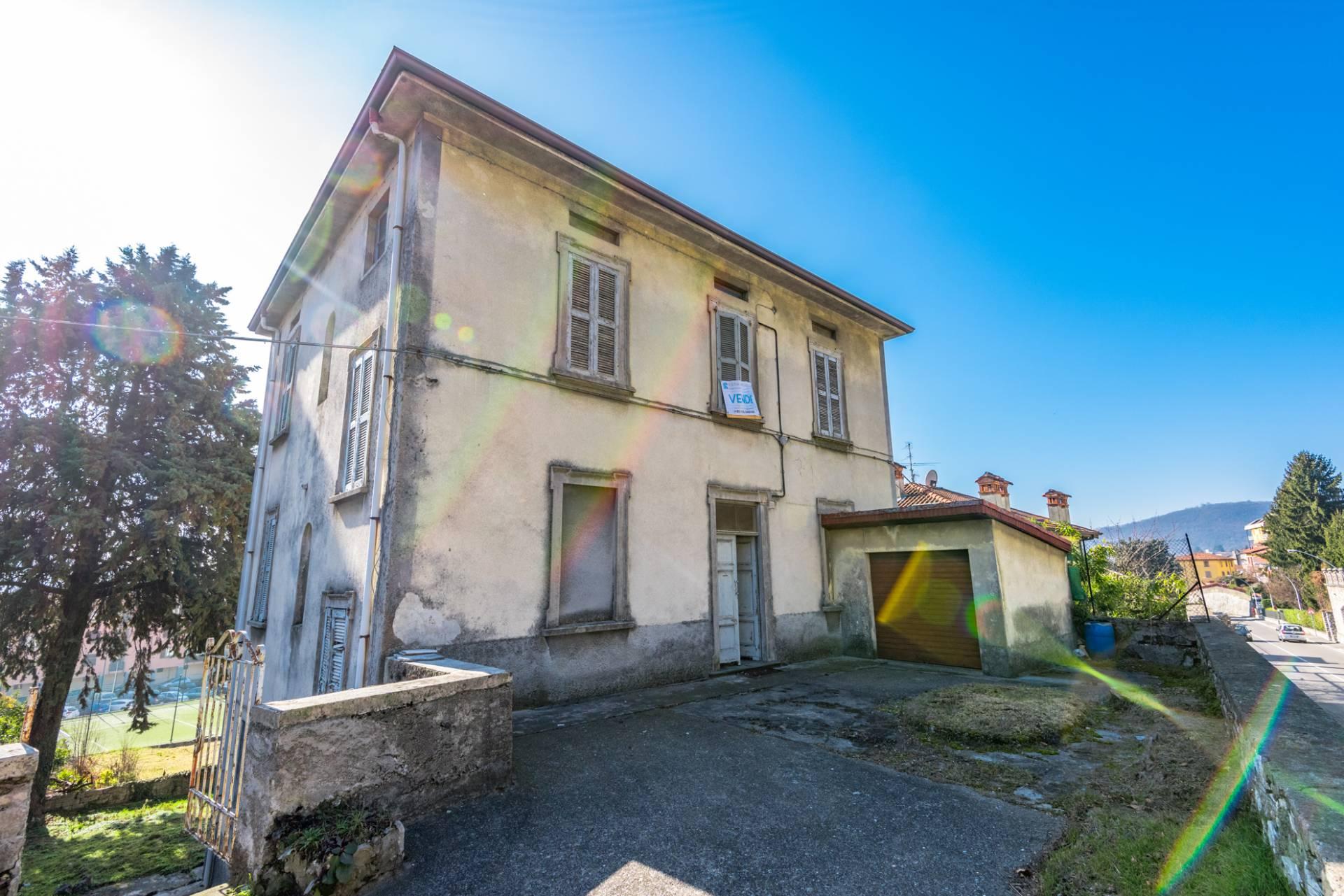 Soluzione Indipendente in vendita a Alzano Lombardo, 10 locali, prezzo € 290.000 | PortaleAgenzieImmobiliari.it