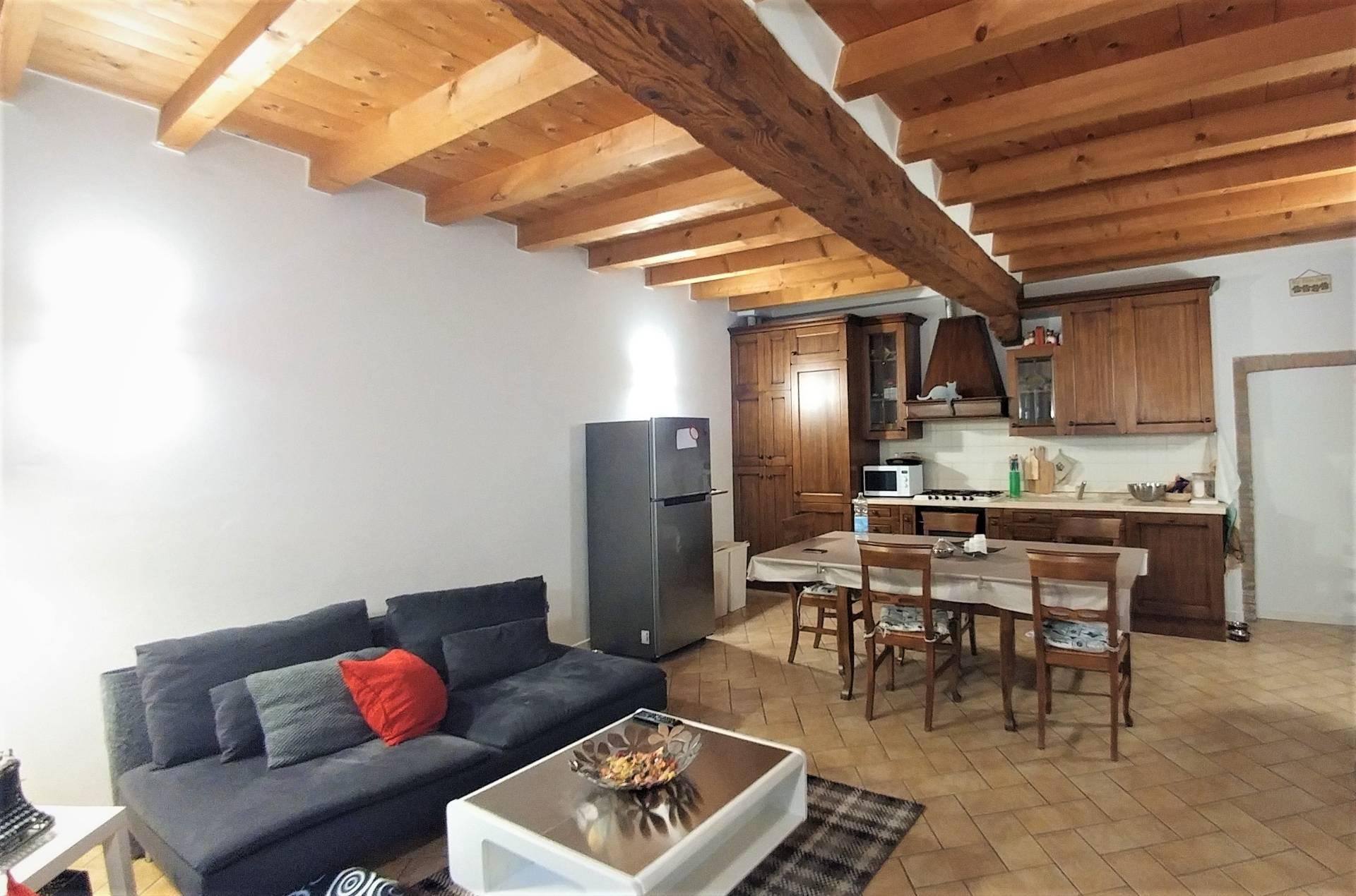Appartamento in vendita a Albino, 2 locali, prezzo € 89.000 | CambioCasa.it