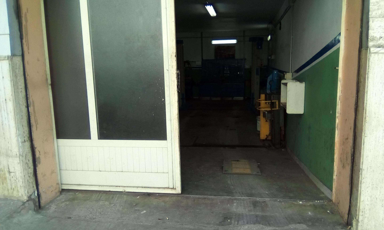 Box / Garage in vendita a San Nicandro Garganico, 1 locali, zona Località: BOSCHETTO, prezzo € 38.000 | CambioCasa.it