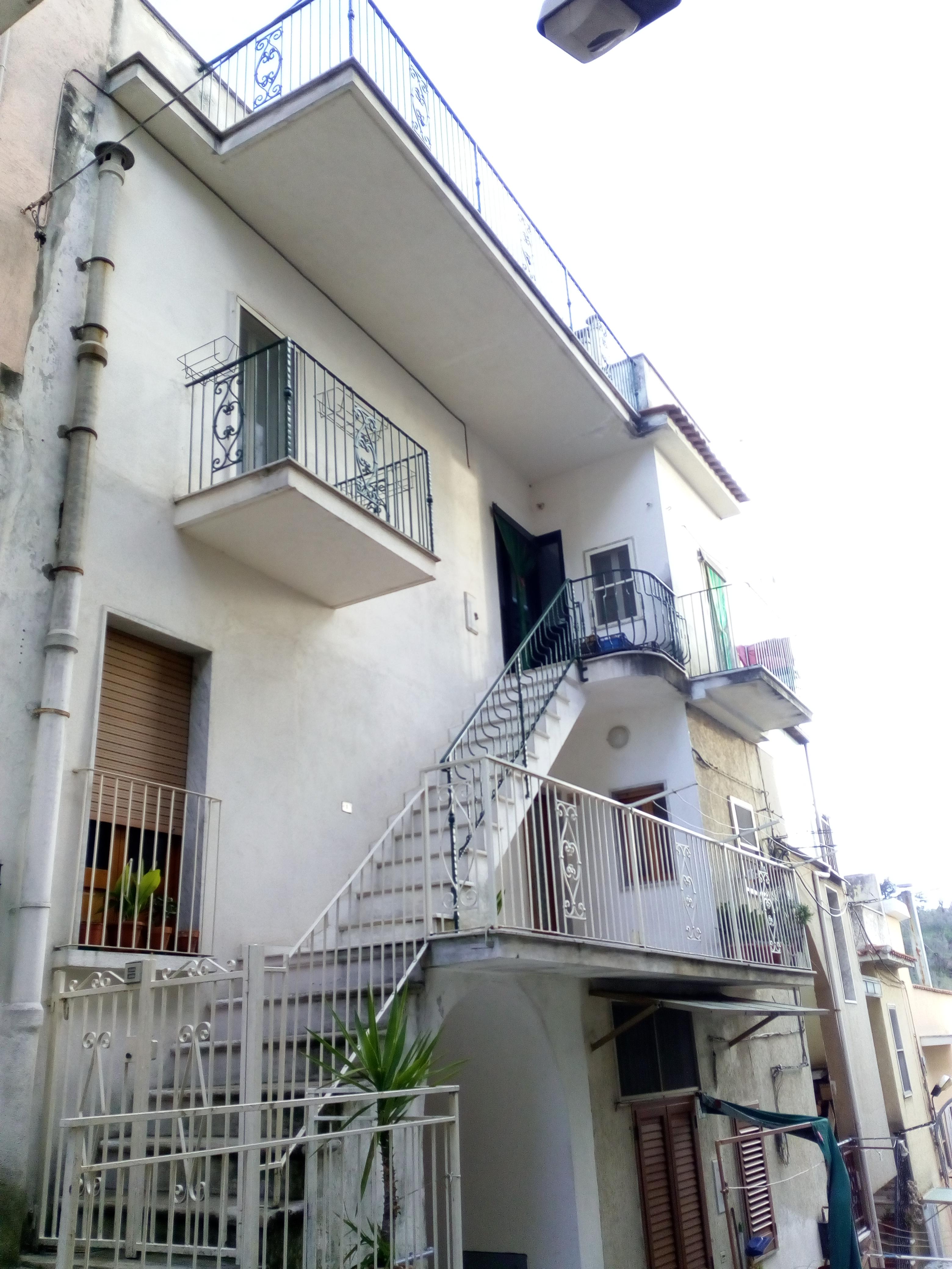 Appartamento in vendita a Ischitella, 3 locali, prezzo € 90.000 | PortaleAgenzieImmobiliari.it