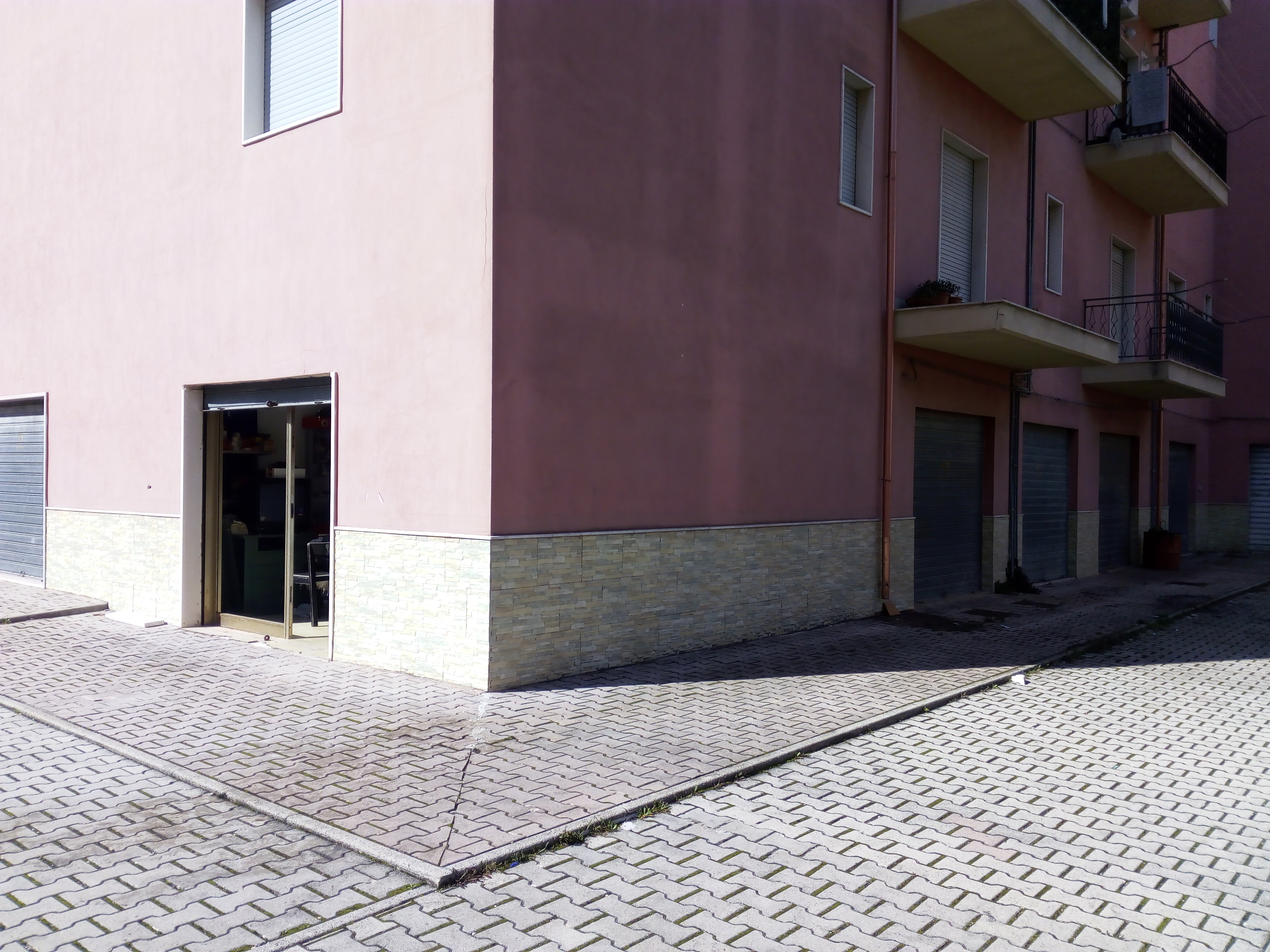 Ufficio / Studio in vendita a Vico del Gargano, 2 locali, zona Località: ConventoeFontanelle, prezzo € 50.000 | CambioCasa.it